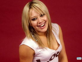 Hilary Duff before porcelain veneers