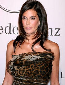 Teri Hatcher - Time to Finally Fess Up to Plastic Surgery?